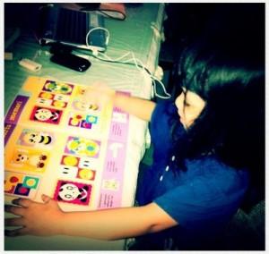 Salah satu activity fave Vay, bermain bersama Bobo :)