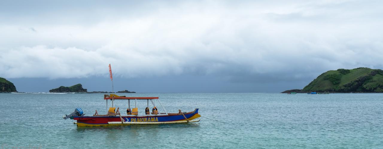 [Lombok Trip] Tanjung Aan Beach, Sekali Dayung Dapat Semua