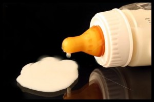 Susu Formula (Gambar pinjam dr Fotosearch)