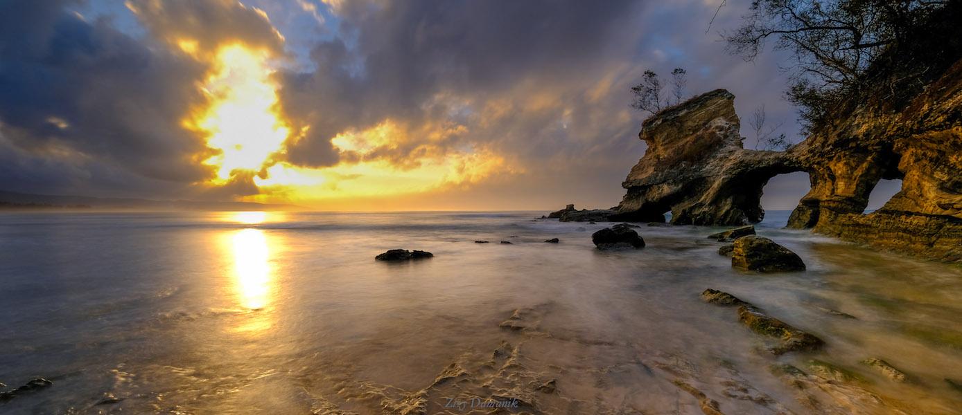 Pantai Yang Sunyi Tapi Memabukkan, Watu Parunu Sumba