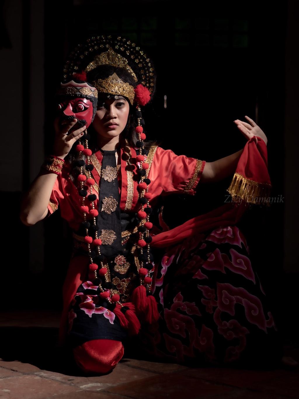penari topeng cirebon