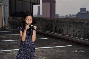 Ilustrasi anak beraktivitas di luar ruangan