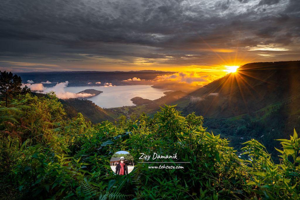 Sunrise Danau Toba