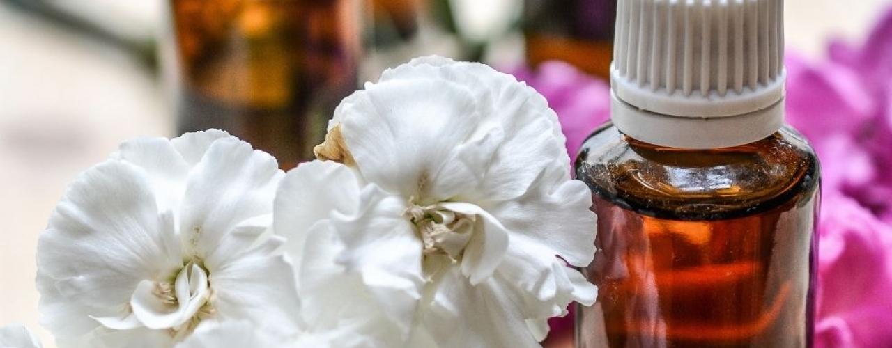Menjaga Tubuh Tetap Sehat selama Pandemi COVID-19 dengan Essential Oil