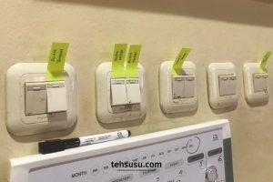 menggunakan label untuk menandai tombol