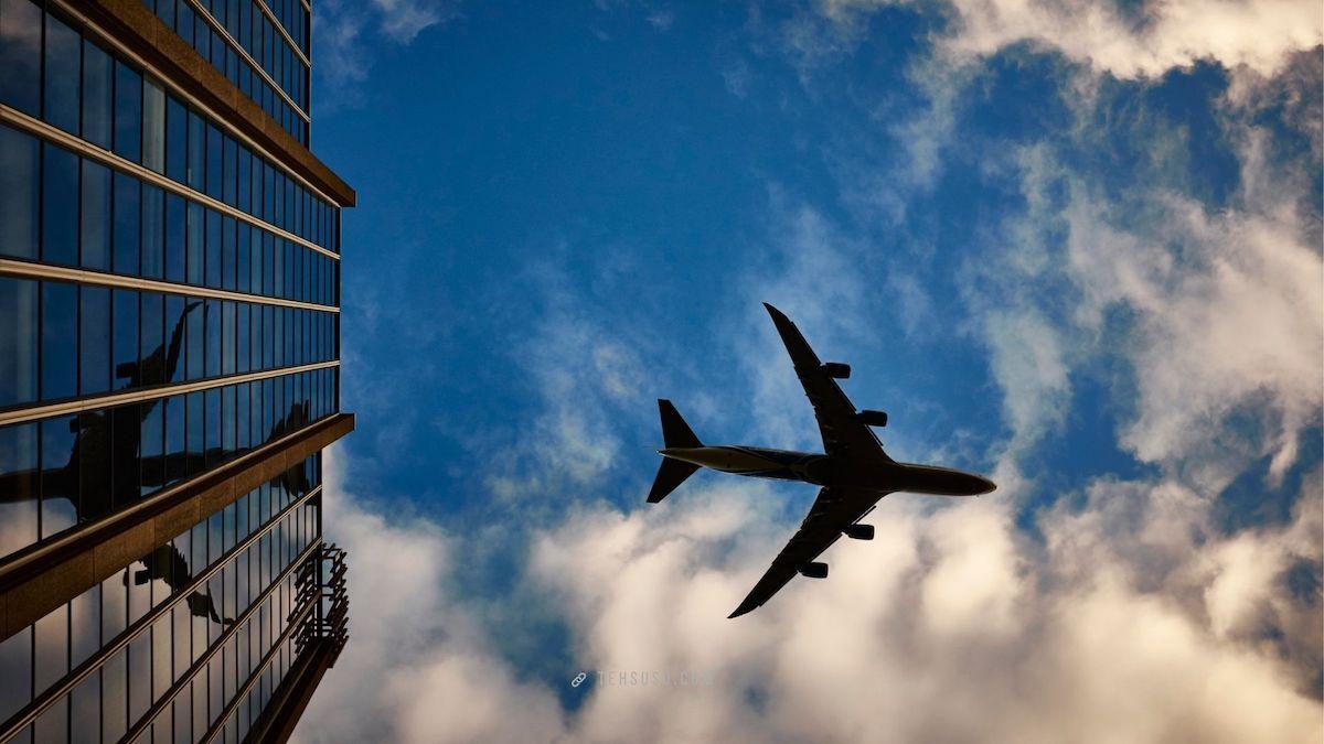 Pesan tiket pesawat