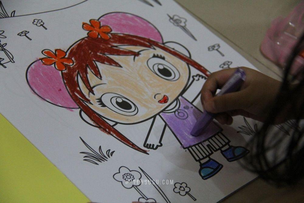 ilustrasi anak menggambar