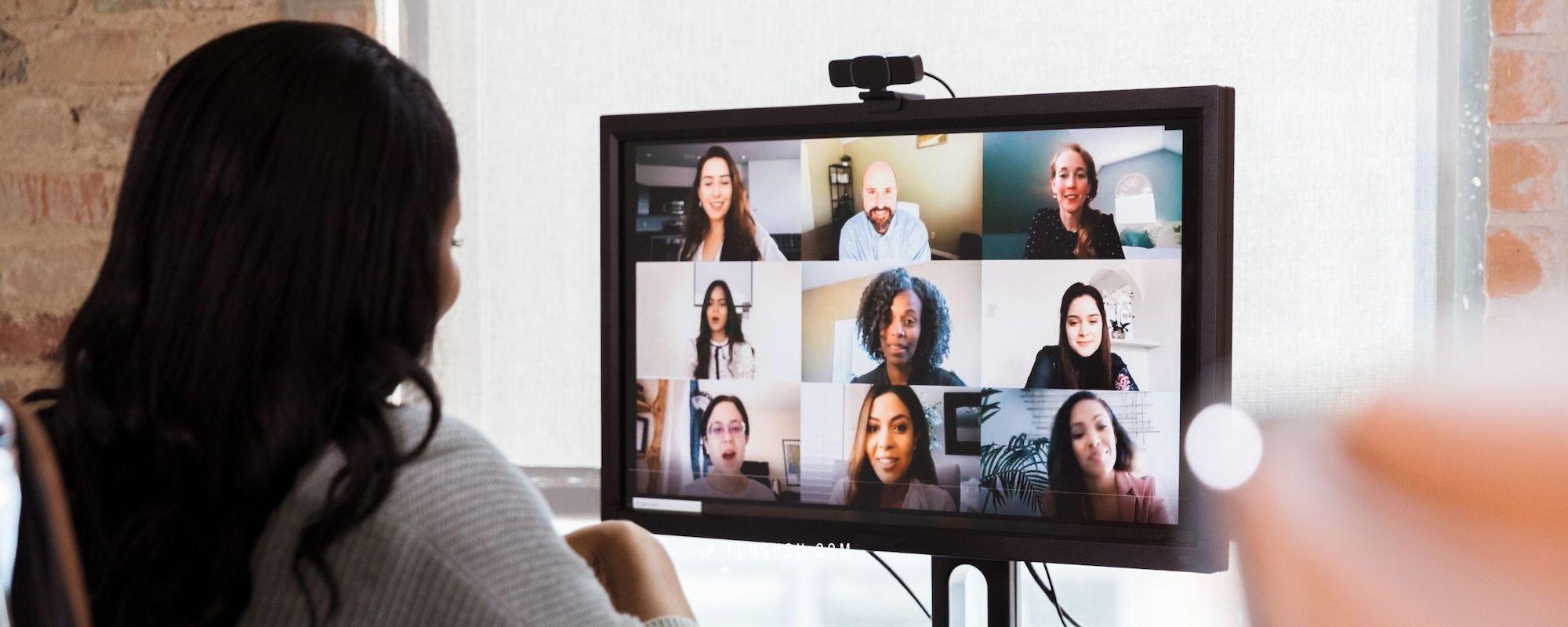 Ayolah, Kalau Virtual Meeting Itu, Nyalakan Kamera Dong!